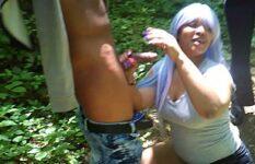 Mamando o namorado no mato e engolindo porra